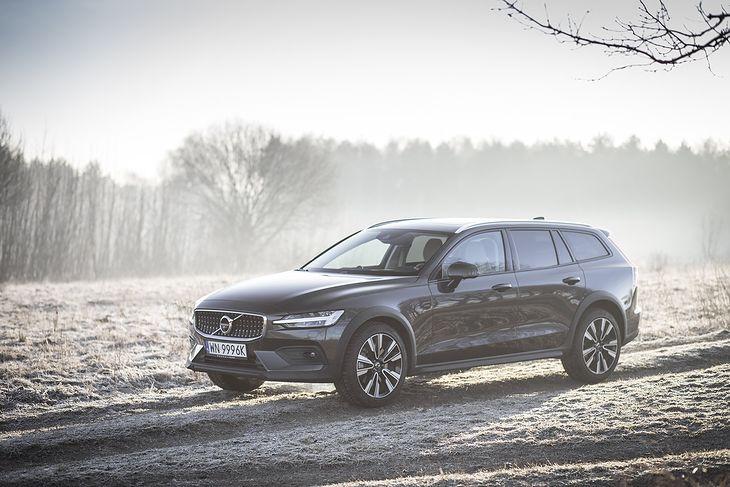 Problem dotyczy Volvo napędzanych 4-cylindrowym silnikiem diesla.