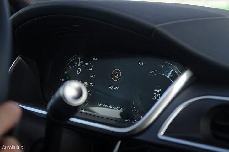 Systemy informujące o zmęczeniu kierowcy przypominają, kiedy warto zrobić sobie przerwę.
