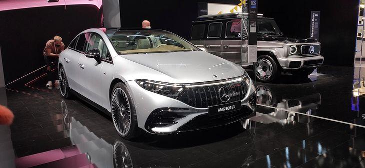 """Mercedes-AMG EQS 53 ma większy opór aerodynamiczny niż jego """"zwykły"""" odpowiednik."""