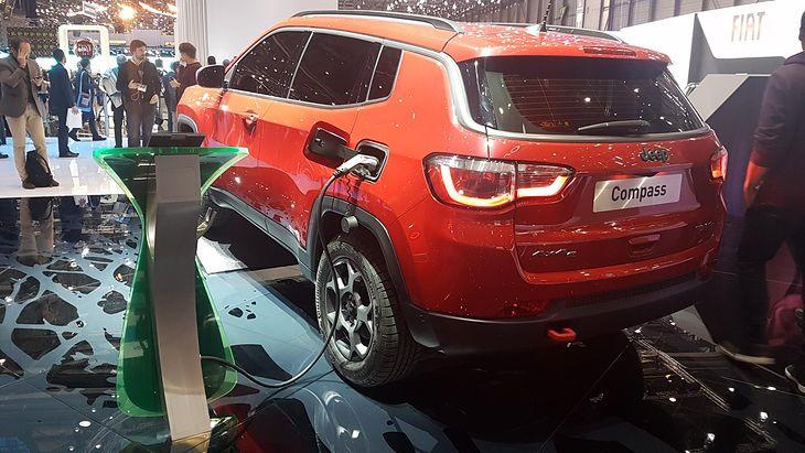 Hybrydowy Jeep Compass na salonie Geneva Motor Show