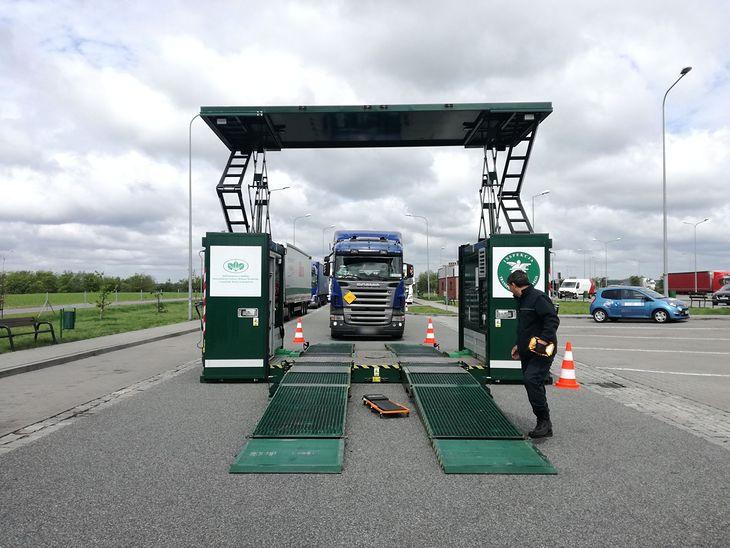 Mobilna stacja kontroli pojazdów