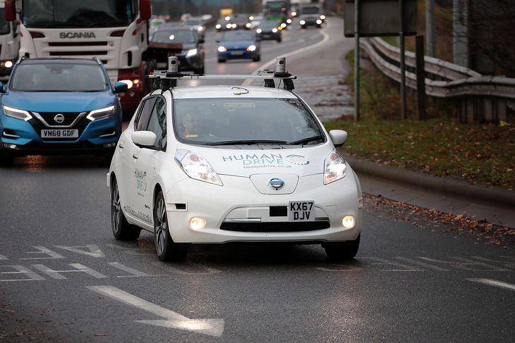 Ten Nissan przejechał samodzielnie aż 370 km!