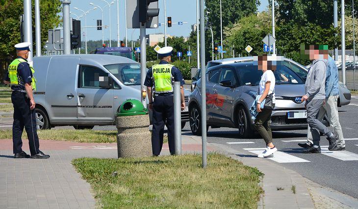 Kilka razy do roku policja prowadzi akcje na przejściach dla pieszych. Gdyby były one lepiej zaprojektowane, akcje nie byłyby tak potrzebne