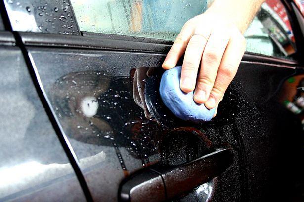 Oczyszczanie lakieru przed polerowaniem