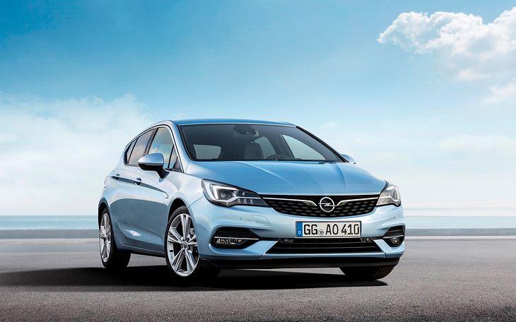 Odświeżony Opel Astra z silnikami PSA jest droższy niż wcześniej.