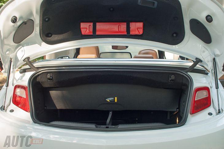 Rodzaj nadwozia jakim dysponujemy ma duży wpływ na to w jakie torby i walizki możemy się spakować. Opel Cascada to kabriolet, więc aby w pełni korzystać z jego zalet trzeba pamiętać o ustawieniu przegrody wydzielającej wolne miejsce na schowanie dachu.