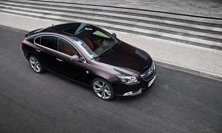 Opel Insignia to bez wątpienia samochód elegancki i nowoczesny. Niestety sporo użytkowników źle wspomina ten model.