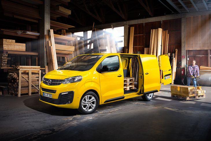 Opel Vivaro-e przejedzie w zależności do wersji od 230 do 330 km na jednym ładowaniu