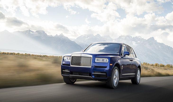Cullinan jak większość luksusowych SUV-ów okazał się sprzedażowym hitem.