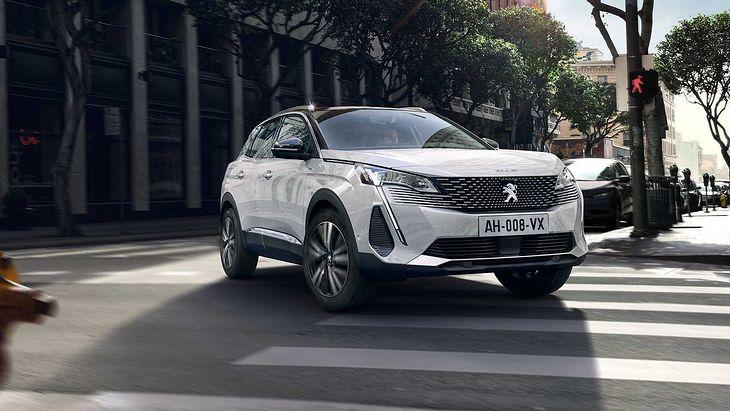 Odświeżone SUV-y Peugeota poznamy po nowych reflektorach i atrapie chłodnicy.