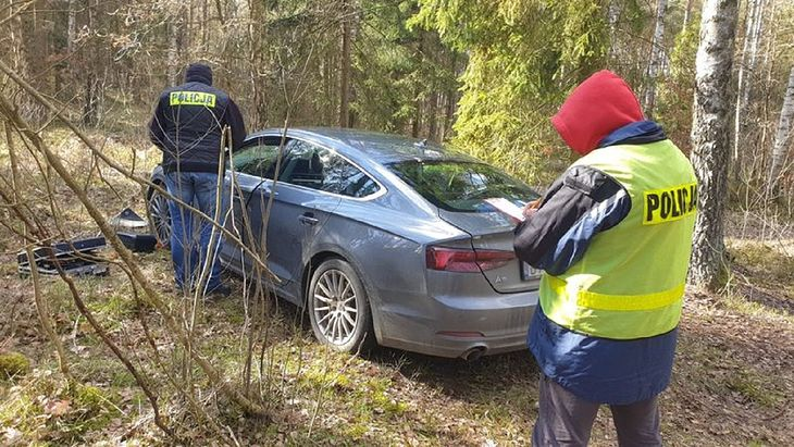 Policjanci znaleźli skradzione Audi A5.