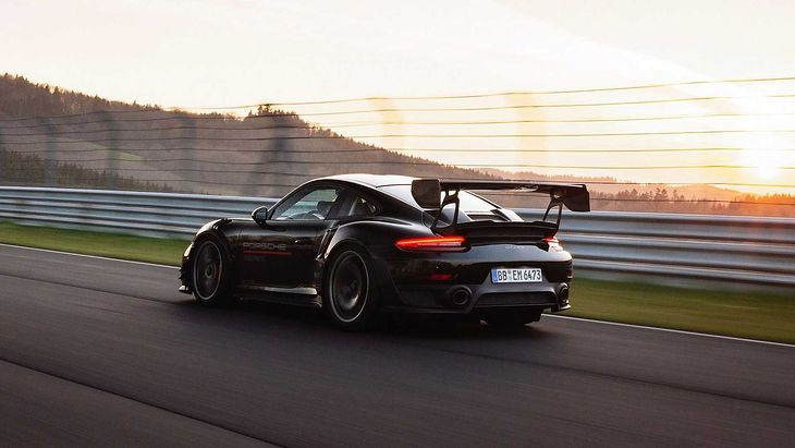 Pakiet modyfikacji będzie powszechnie dostępny w salonach Porsche.