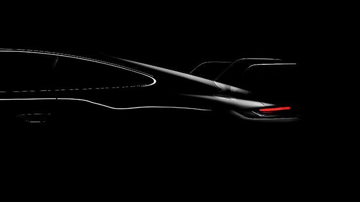 Duże skrzydło sugeruje, że będzie to model GT3.