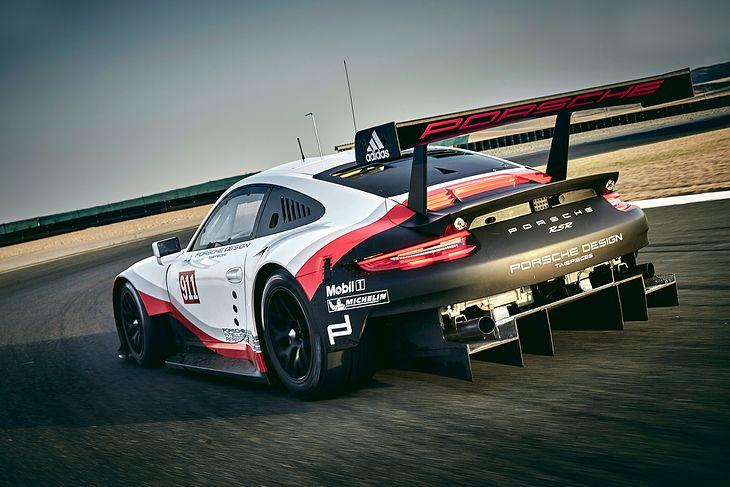 Porsche 911 RSR spec 2017