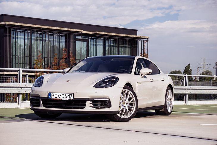 Przez niedokładnie sformułowaną ustawę oraz ogólne pojęcie samochodu hybrydowego, Porsche Panamerę 4 E-Hybrid będzie można kupić nawet o 82 tys. zł taniej.