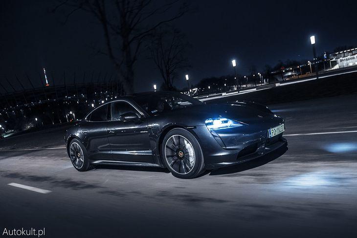 Taycan to dopiero początek - Porsche traktuje elektromobilność poważnie.