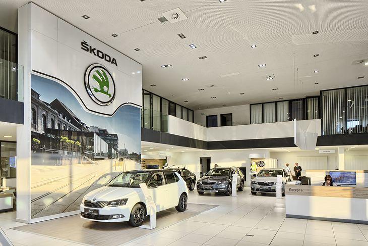 najnowsza zniżka świetne oferty ogromna zniżka Ceny katalogowe a rynkowe. Nowe auto można kupić taniej niż ...