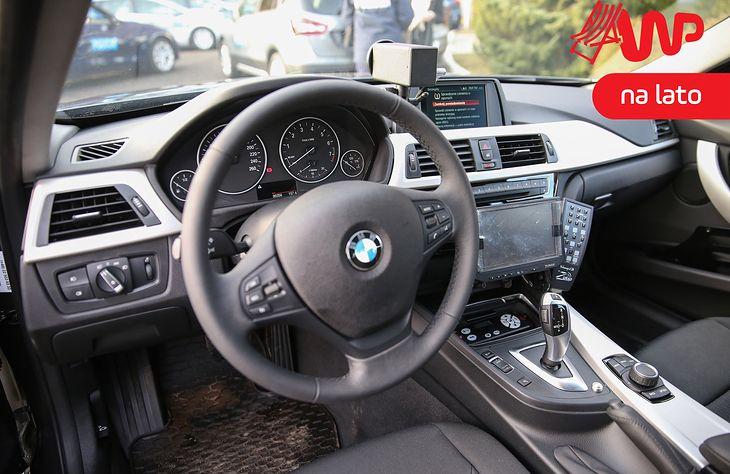 Nieoznakowane radiowozy BMW nie są łatwe do rozpoznania.