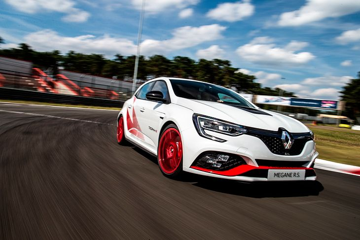 Renault Megane R.S. Trophy-R to nowy król hot hatchy