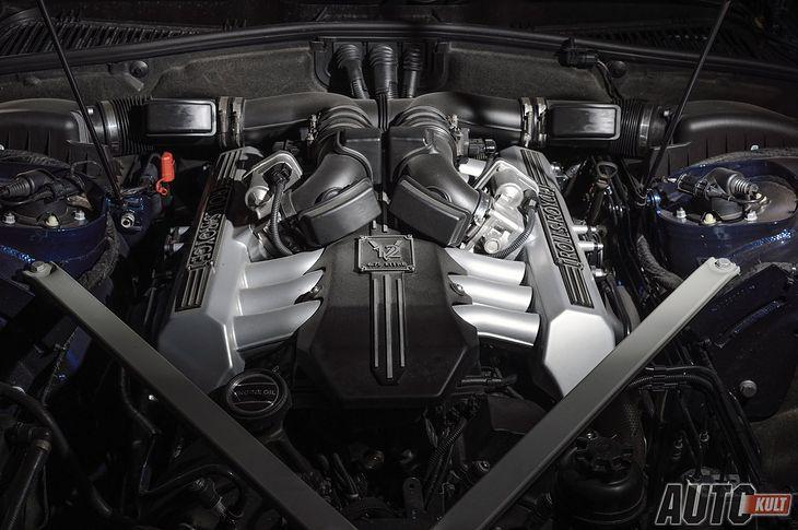 Olbrzymi silnik pod maską Rolls-Royce'a Phantoma