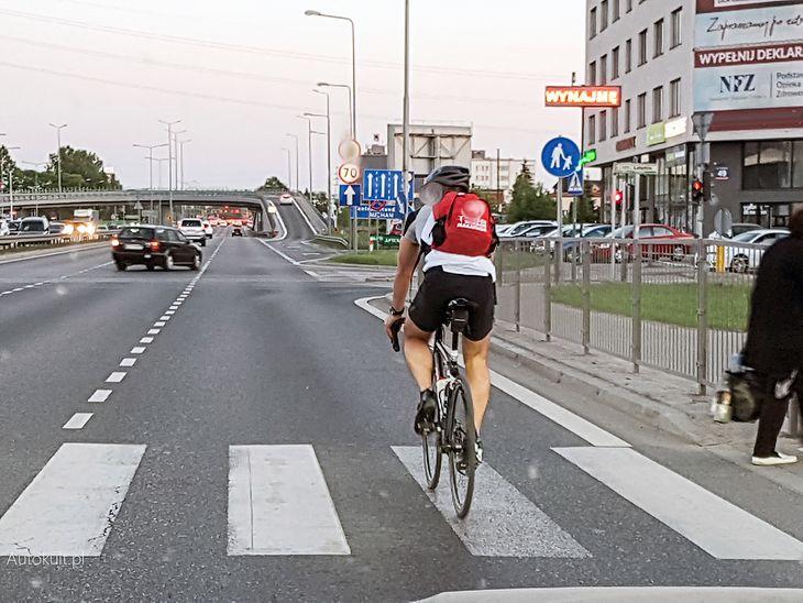 Problemem jest nie tyle sama odległość, co egzekwowanie istniejącego przepisu wśród kierowców