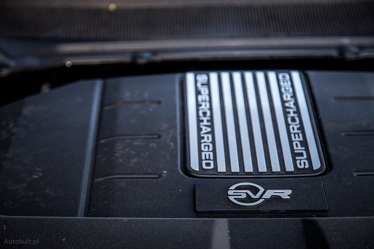 Silnik z linii AJ w Range Roverze Sport SVR (fot. Mateusz Żuchowski)