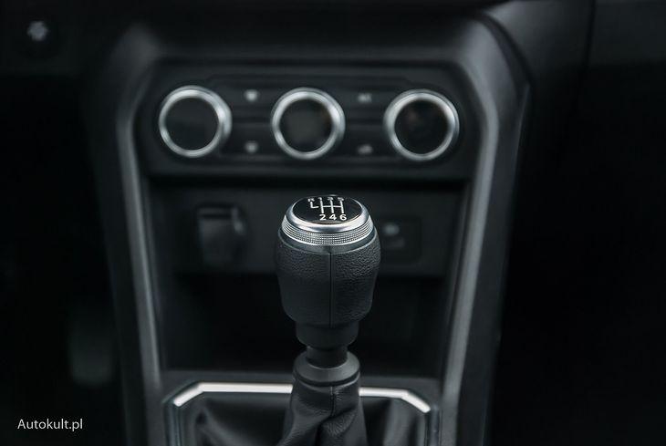 """Kierowcy przyzwyczajeni do automatycznych skrzyń biegów mogą zapomnieć o redukcji w klasycznym """"manualu"""""""