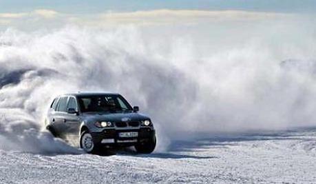 https://i.wpimg.pl/730x0/m.autokult.pl/samochod-zima-cf38ccab4aa78d366f.jpg