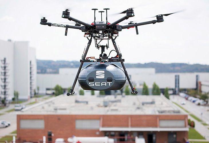 Drony sprawdzają się na tyle dobrze, że Seat planuje dalszy rozwój projektu.
