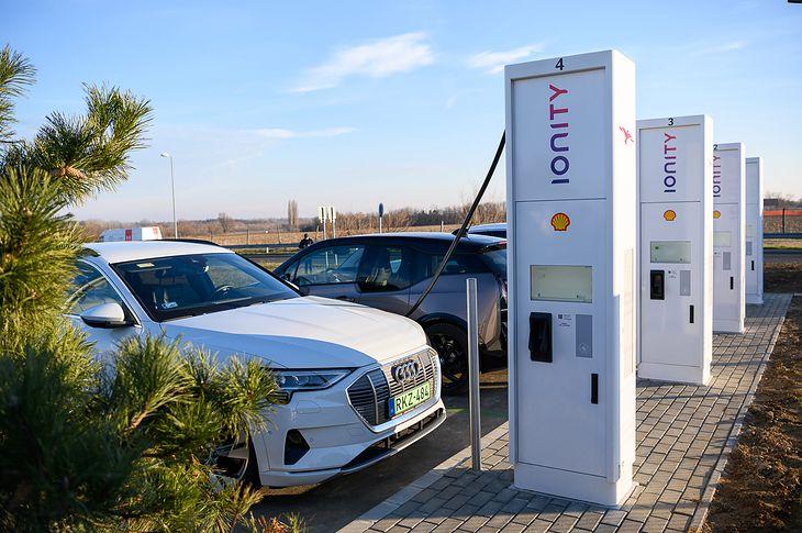 Ładowarki Shell Ionity działają już na Węgrzech. Niebawem zobaczymy je w Polsce.