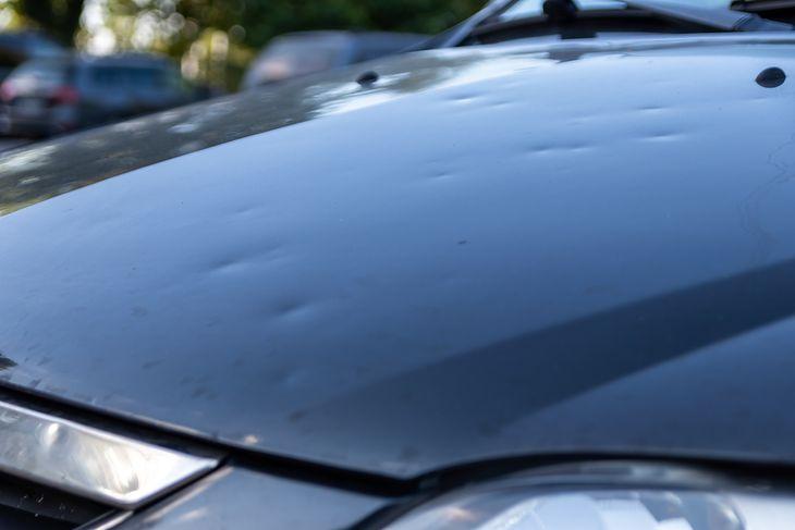 Największym problemem użytkowników są wgniecenia po gradobiciu, bo często obejmują kilka elementów, a samochód wygląda fatalnie.
