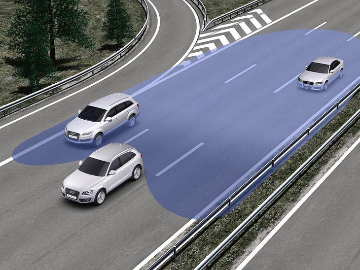 Asystenci jazdy mają nie tylko umilić podróż, ale także zapewnić bezpieczeństwo