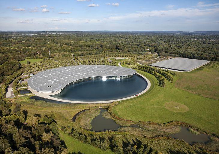 Siedzibę McLarena zaprojektował architekt Norman Foster