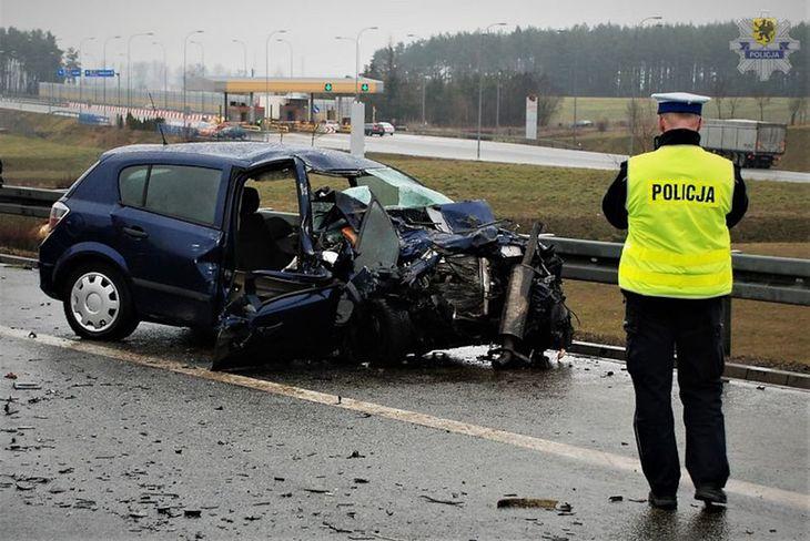 Wypadki spowodowane przez kierowców pod wpływem alkoholu często mają poważne skutki (zdjęcie ilustracyjne).