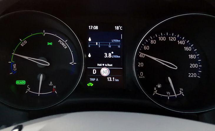 184 KM w kompaktowym crossoverze, a spalanie w mieście może pozytywnie zaskoczyć
