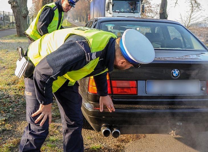 Jeśli plany samorządowców wypalą, Polacy będą musieli zacząć przesiadać się do mniej zanieczyszczających powietrze aut