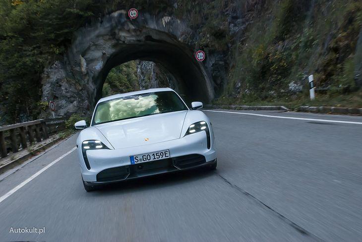 Porsche Taycan Turbo S - aż 49 proc. polskich klientów wybrało topową wersję elektryka z Zuffenhausen