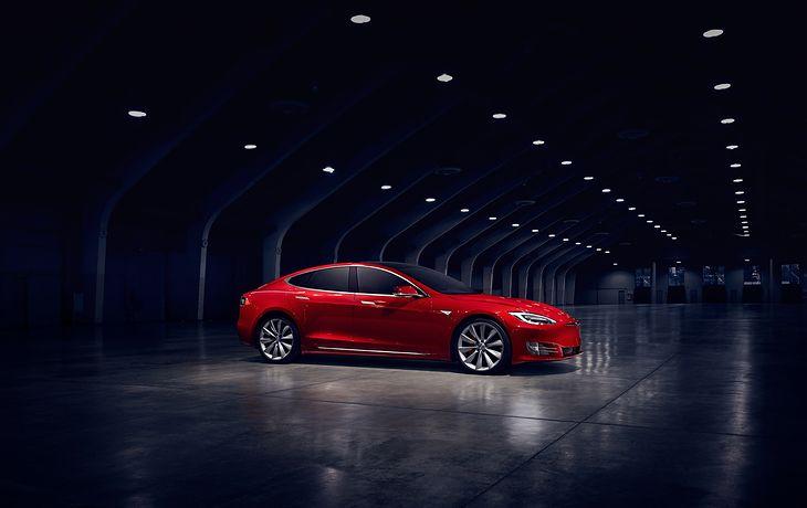 Tesla Model S nie na Nurburgringu.