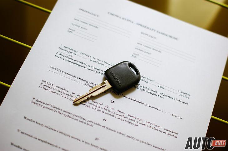 Wykupienie ubezpieczenia to dopiero początek - po zakupie auta czasami trzeba rozwiązać sprawę z fiskusem