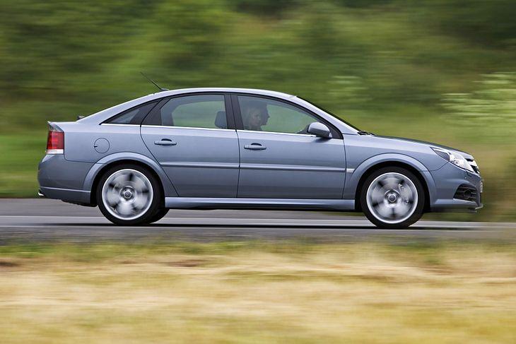 Opel Vectra C - dziś auto za grosze, ale w dobrym stanie jeszcze nie straszy
