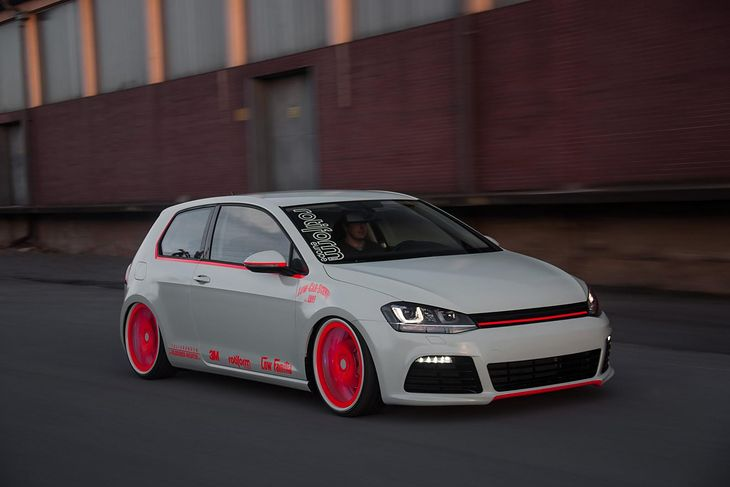 Volkswagen Golf Light Tron