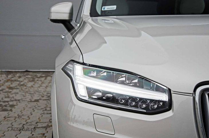 Klienci lubią wysokie auta.