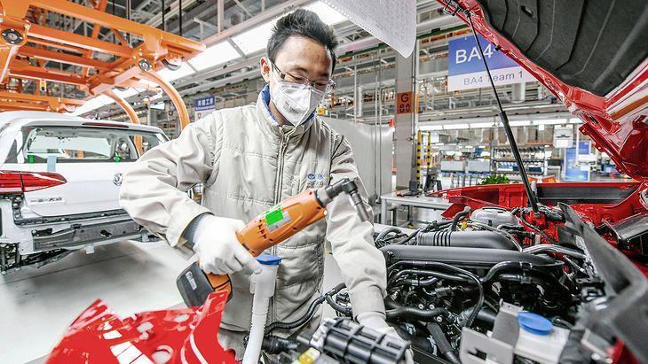 W Chinach większość fabryk wróciła już do normalnej pracy