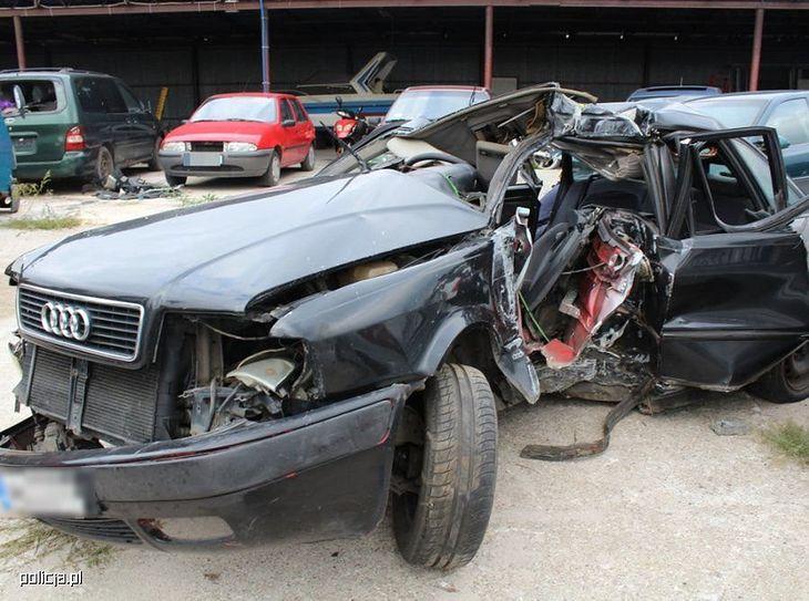 Niezapięcie pasów bezpieczeństwa czy jazda pod wpływem alkoholu to najczęstsze przypadki przyczynienia się do spowodowania wypadku