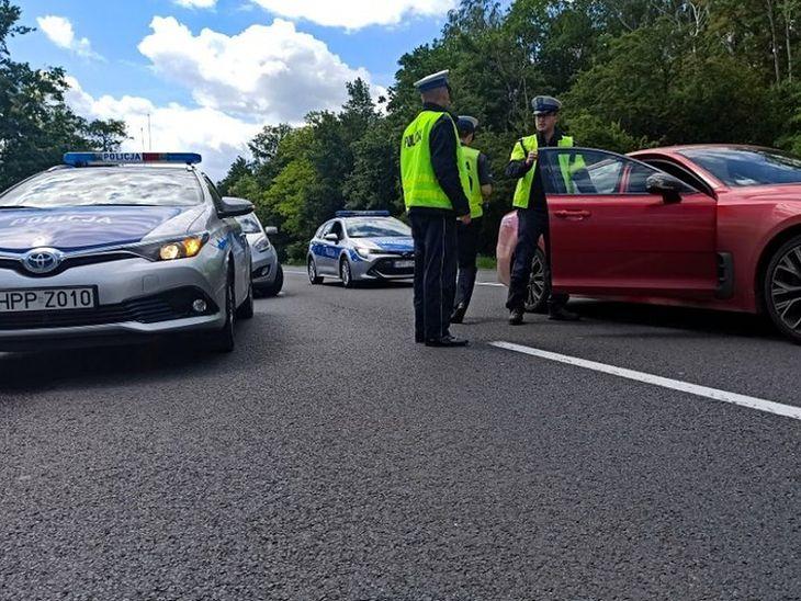 Wypadki to nie tylko tragedie ich uczestników, ale też utracone pieniądze. Według GDDKiA średni koszt śmiertelnego wypadku drogowego wynosi 1,4 mln zł.