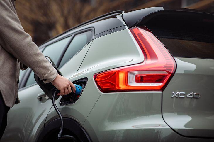 Już niebawem każde Volvo będzie występować wyłącznie z wtyczką