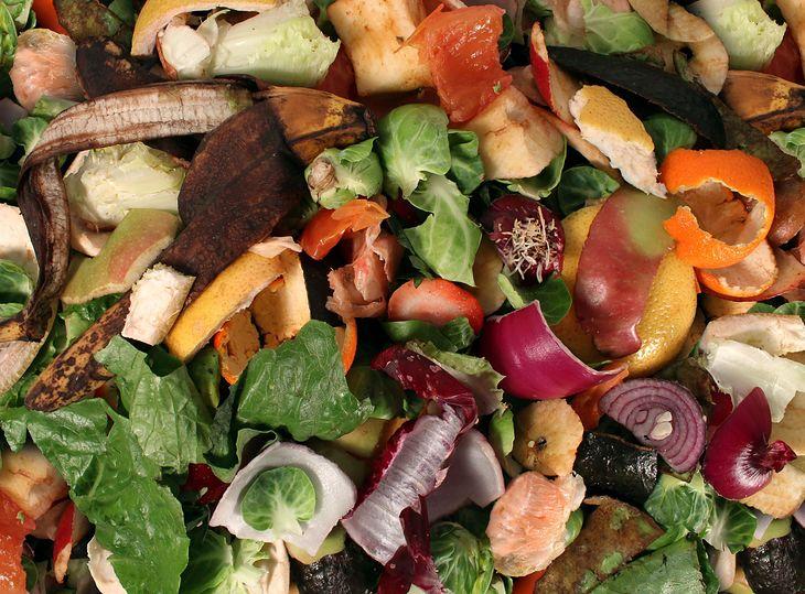 Skórki warzyw i owoców