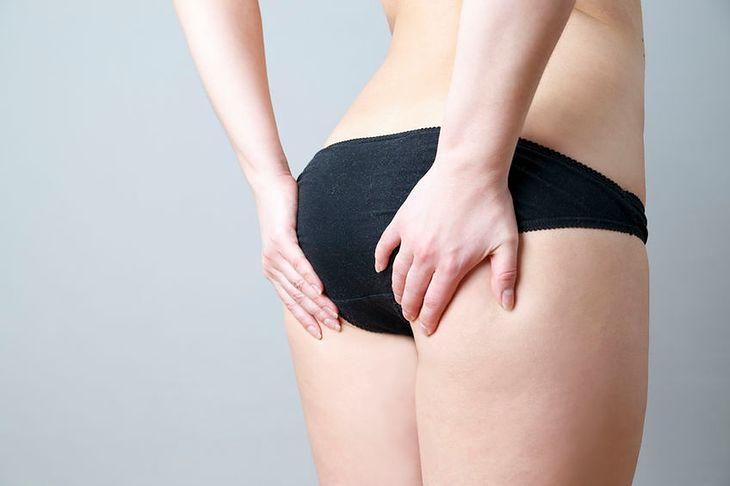 Cellulit można zwalczyć dzięki okładom z ogórka