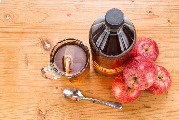Ocet jabłkowy można dodawać do herbaty