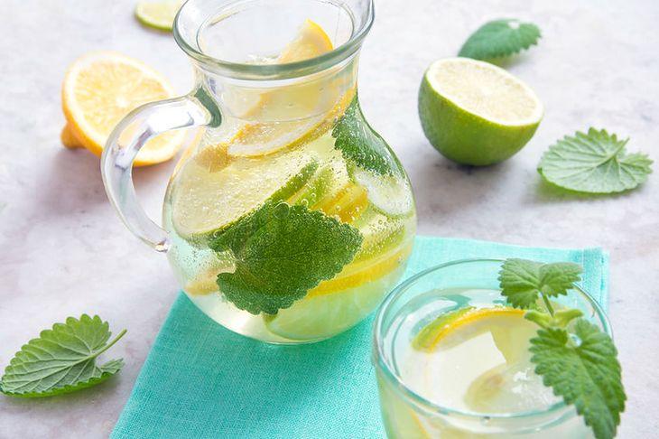 Lemoniada na płaski brzuch